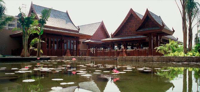 三亚亚龙湾红树林度假酒店人工湖