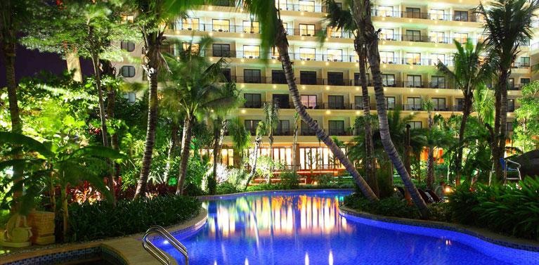 三亚辰光克拉码头酒店管理有限公司夜景2