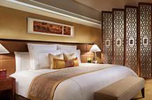 上海波特曼丽思卡尔顿酒店大床房